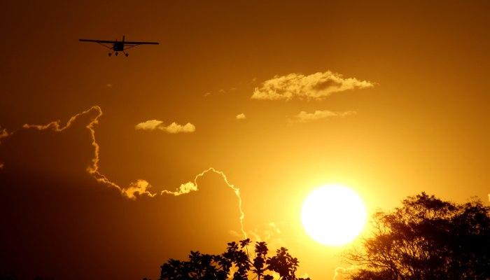 aereo_tramonto_700_400